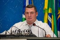 Vereador Eluir Cavasin faz indicação referente a necessidade de instalar grades de proteção e prevenção nas bocas dos bueiros
